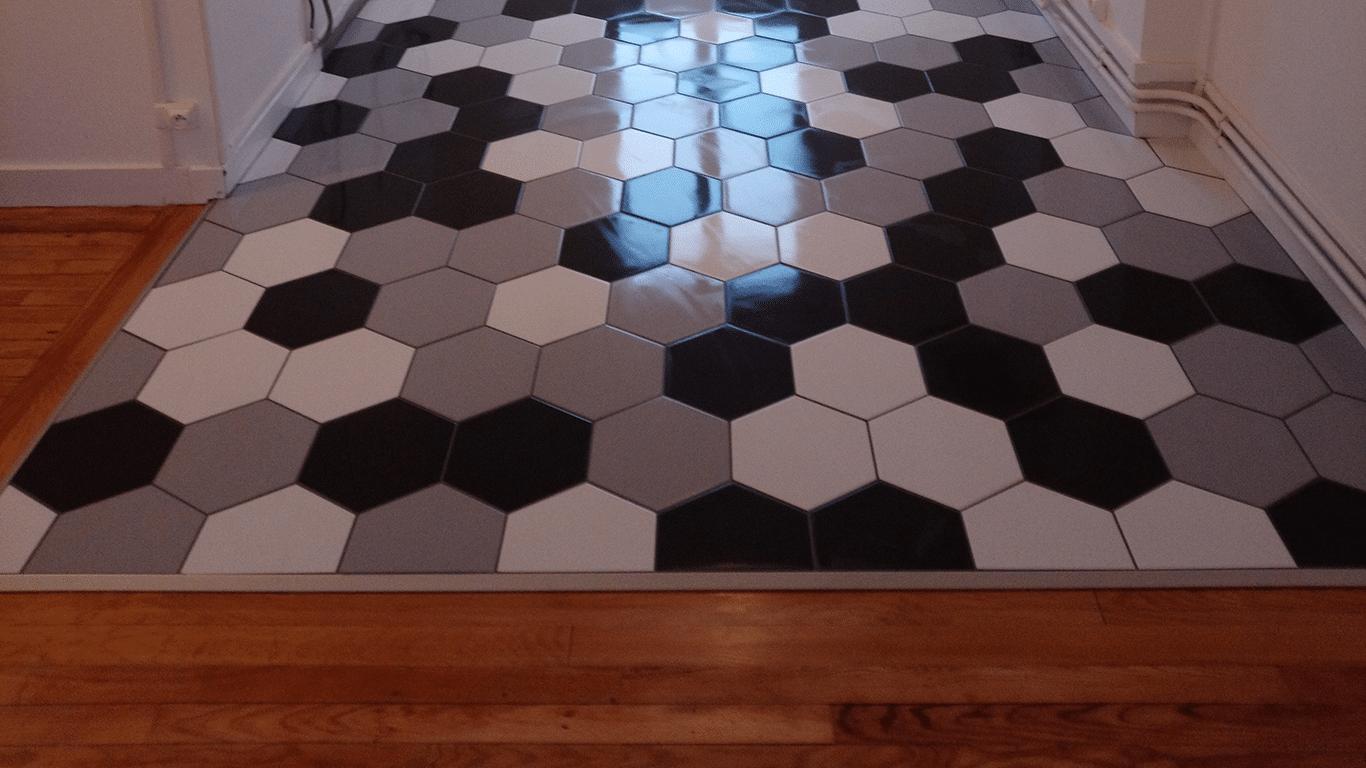 carrelage blanc et noir hexagone