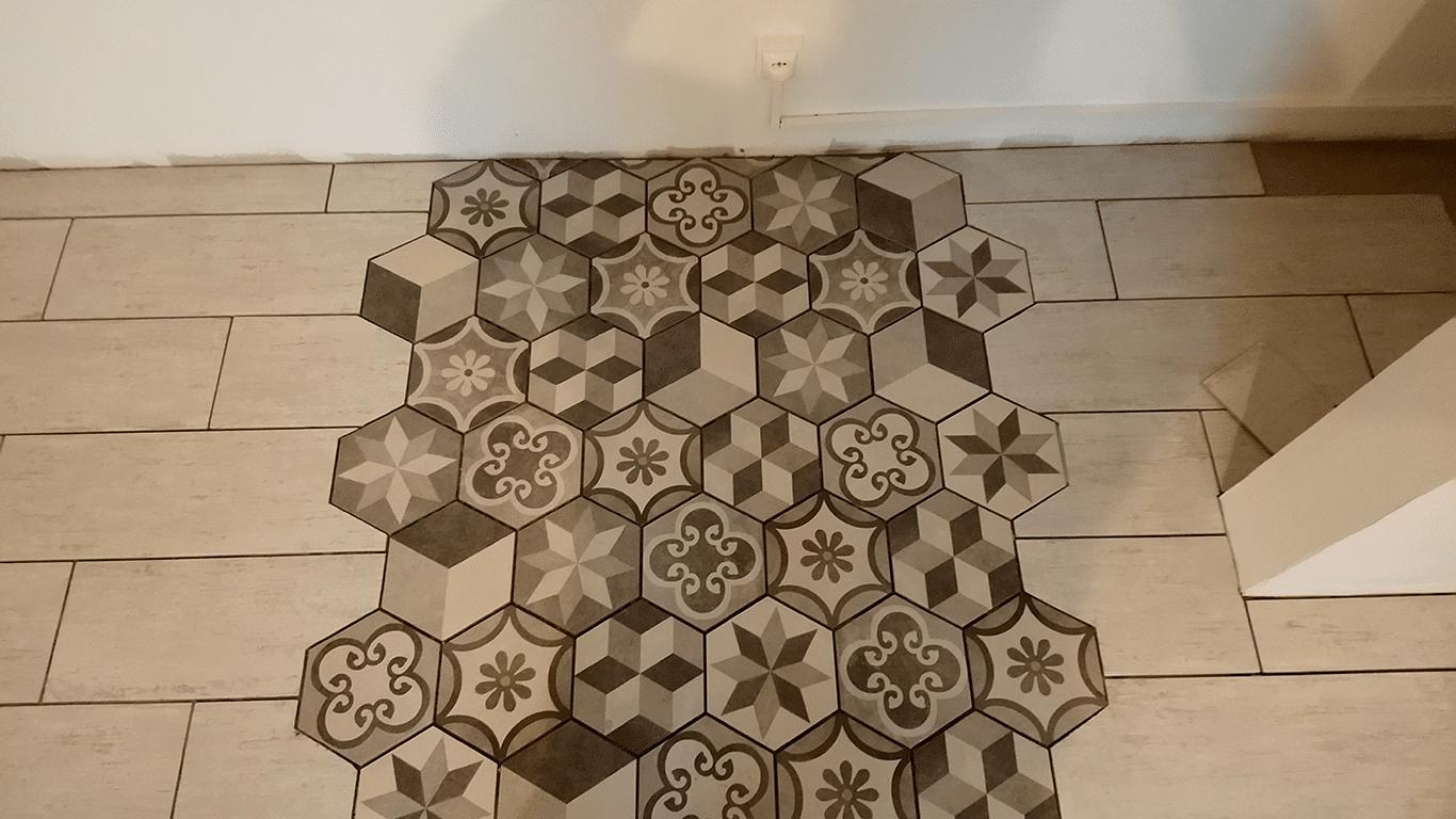 carrelage hexagone marron